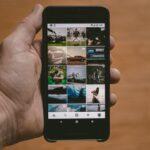 Instagramを表示したスマートフォン